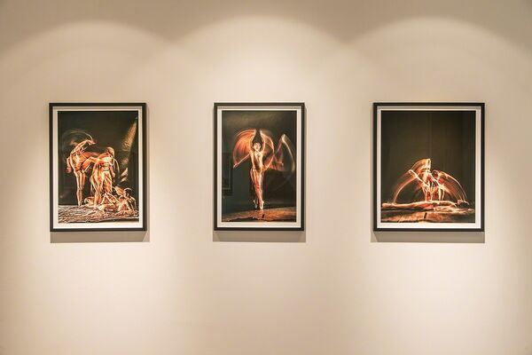X-RAY: Experimental portraits of dancers from the Royal Danish Ballet, installation view