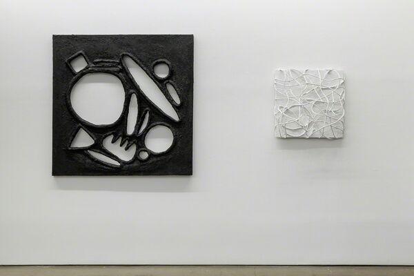 Monochromatic: Lauren Clay, Ricardo Gonzalez, Anna Mikhailovskaia, Rachel Stern, Tracy Thomason, Rodrigo Valenzuela, installation view