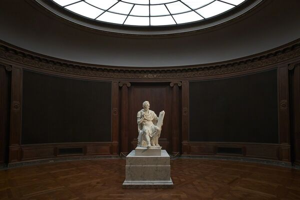 Canova's George Washington, installation view