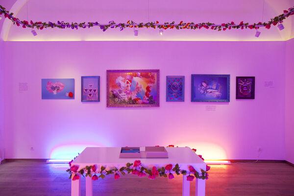 Éva Szombat: Happiness, installation view