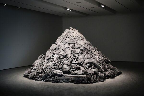 """DANIEL ARSHAM """"3018"""", installation view"""