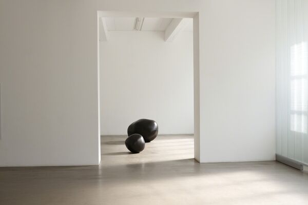 Wilhelm Mundt / Boys and Girls and Black Holes, installation view