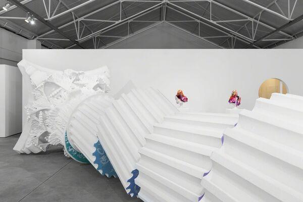 Versus, installation view