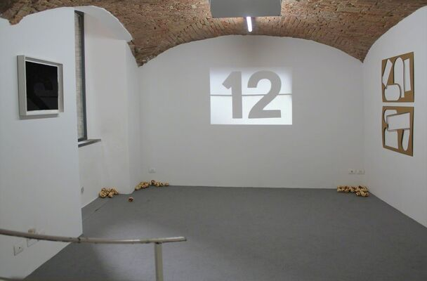 TAPPING IN THE DARK curated by Stijn Maes, installation view