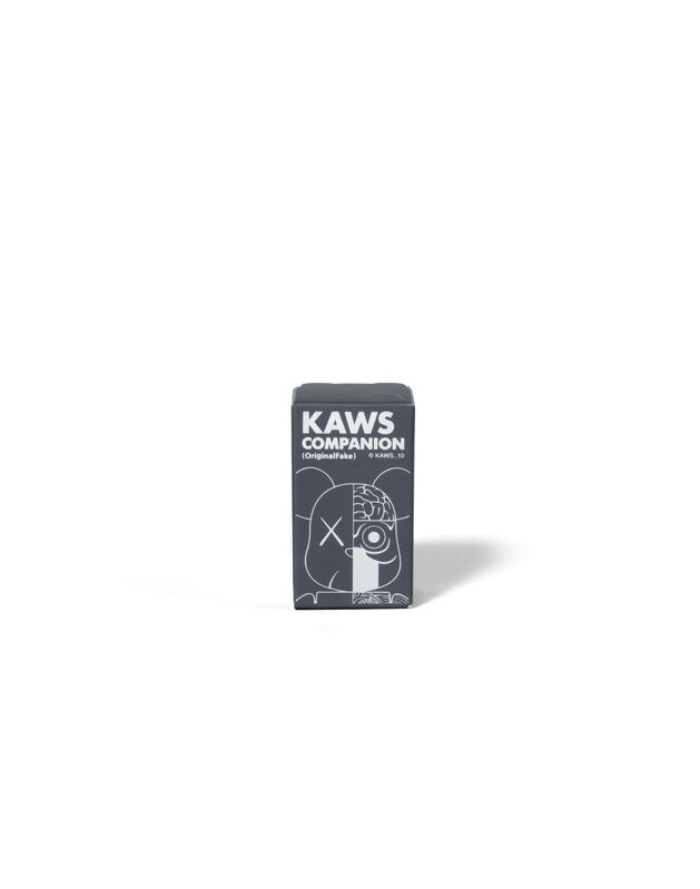 KAWS, 'BEARBRICK COMPANION (ORIGINALFAKE) 100 % (Grey)', 2010, Sculpture, Painted cast vinyl, DIGARD AUCTION