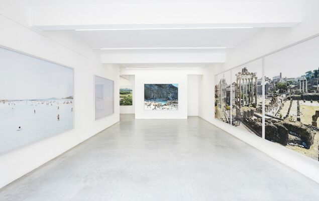 Massimo Vitali, installation view