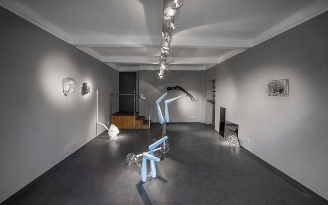 Emma Woffenden and Petr Stanický: Contact - Isolation, installation view