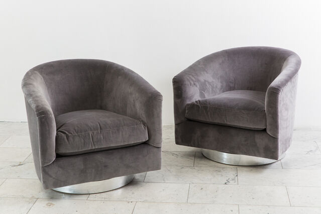 Excellent Milo Baughman Pair Dark Gray Swivel Chairs 1970S Creativecarmelina Interior Chair Design Creativecarmelinacom