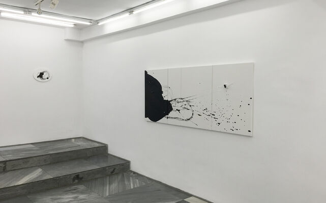 Liliana Porter - Actualidades / Breaking News, installation view