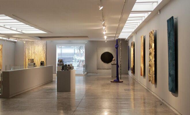 Dos: Jim Amaral y Olga de Amaral, installation view