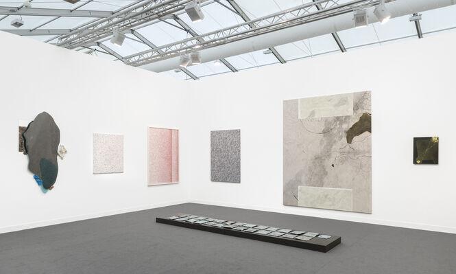 Galeria Plan B at Frieze London 2016, installation view