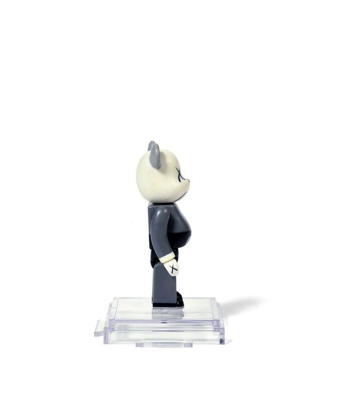 KAWS, 'BEARBRICK COMPANION 100 % (Grey)', 2002, Sculpture, Painted cast vinyl, DIGARD AUCTION