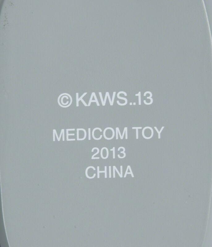KAWS, 'Passing Through (grey)', Sculpture, Cast resin sculpture, Julien's Auctions