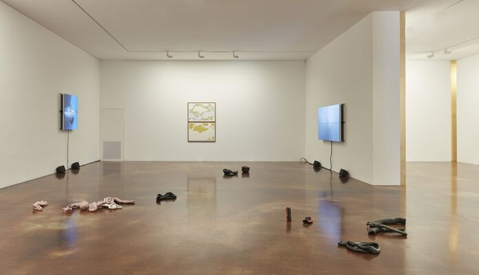 Gridded Currents, installation view