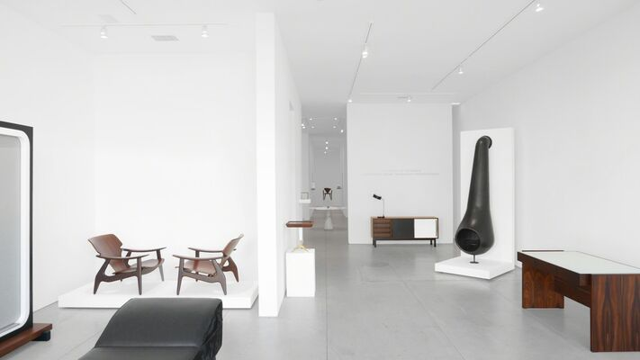 The Tendency of the Moment - International Design: The Bauhaus Through Modern, installation view