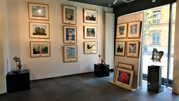 René Magritte : lithographs & bronze sculptures, installation view