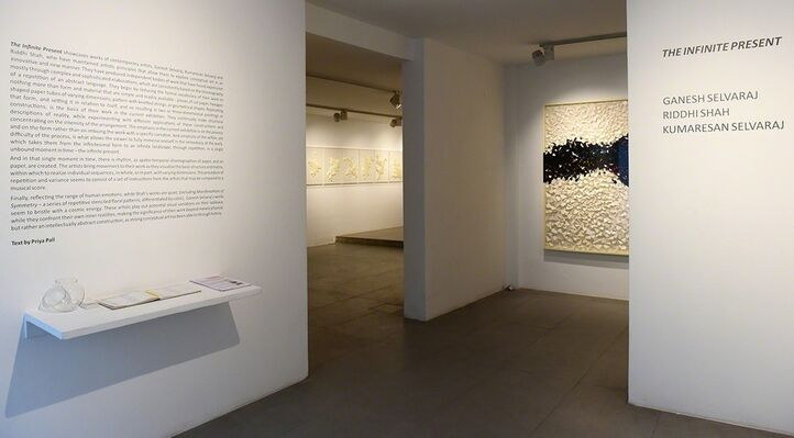 THE INFINITE PRESENT, installation view