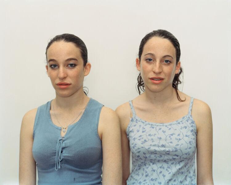 Rineke Dijkstra, 'Chen and Efrat, Herzliya, Israel, March 4, 2002', 2002