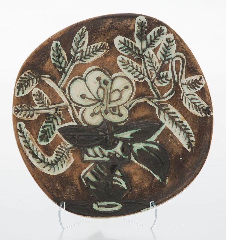 Pablo Picasso, 'Vase au bouquet', 1956, Design/Decorative Art, Terre de faïence plate, painted and partially glazed, Heritage Auctions