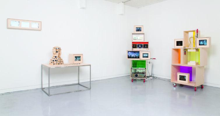Artist Portfolio : how to create an effective art portfolio, installation view