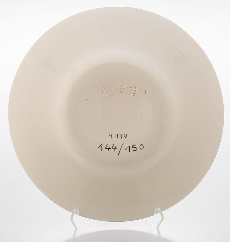 Pablo Picasso, 'La pique', 1950, Design/Decorative Art, Terre de faïence dish with glazing and hand painting, Heritage Auctions