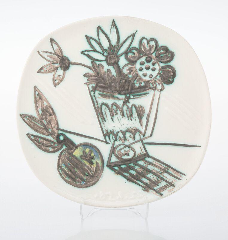 Pablo Picasso, 'Bouquet a la pomme', 1956, Design/Decorative Art, Terre de faïence plate, painted and partially glazed, Heritage Auctions