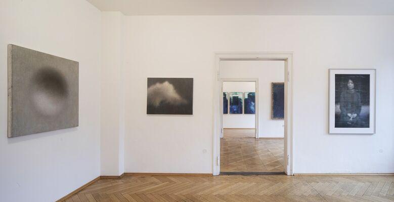 Zwischen Himmel und Erde, installation view