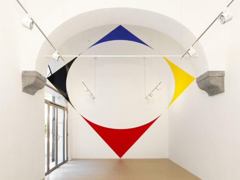Felice Varini, 'Azul amarillo rojo y negro entre el trapecio es la elipse.', 2014
