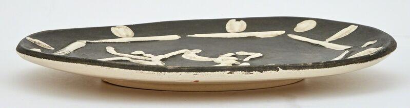 Pablo Picasso, 'DEUX DANSEURS (A.R. 380)', 1956, Design/Decorative Art, Painted and partially glazed white ceramic plate, Doyle