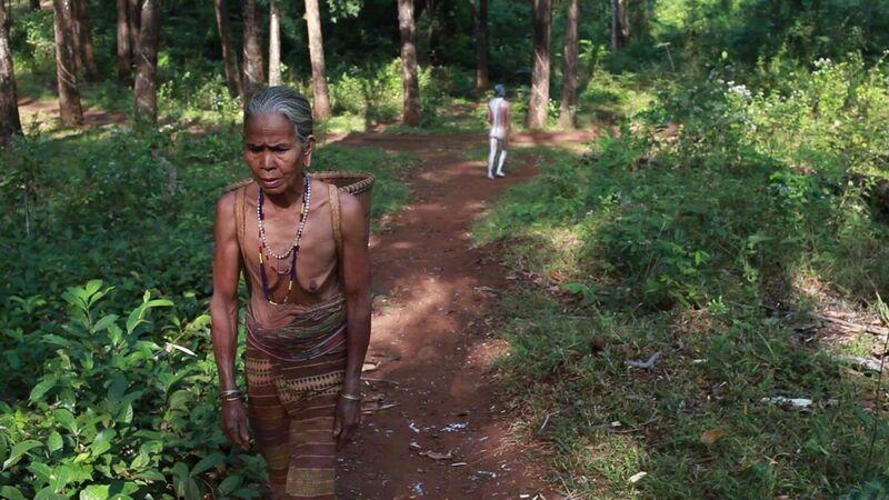 Khvay Samnang, 'L'Homme-caoutchouc (Rubber Man)', 2015, Installation, 3 HD videos, color, 4 minutes 4 seconds, Jeu de Paume
