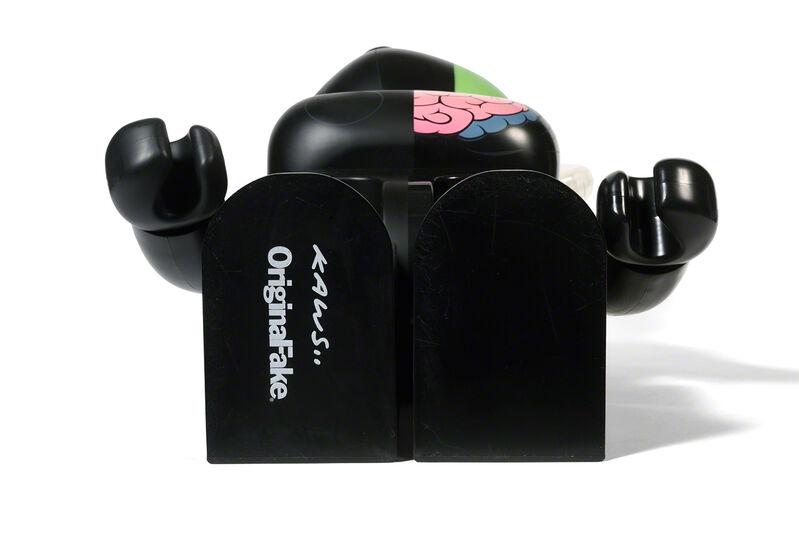 KAWS, 'BEARBRICK COMPANION (ORIGINALFAKE) 1 000 % (Black)', 2010, Sculpture, Painted cast vinyl, DIGARD AUCTION
