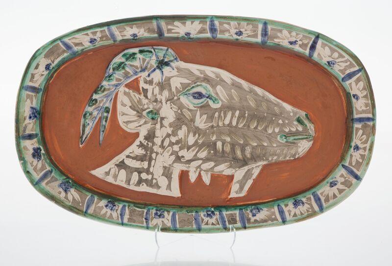 Pablo Picasso, 'Tête de chèvre de profil', 1952, Design/Decorative Art, Terre de faïence platter in colors and partially glazed, Heritage Auctions