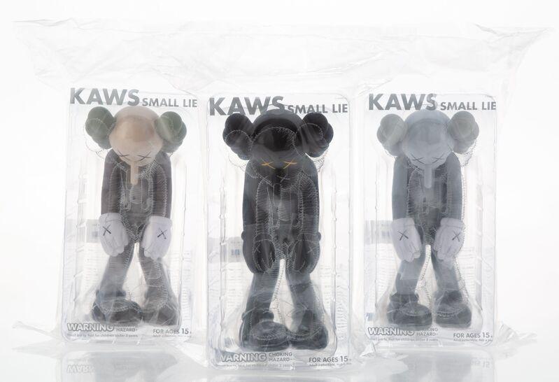 KAWS, 'Small Lie (set of 3)', 2017, Sculpture, Painted cast vinyl, Heritage Auctions