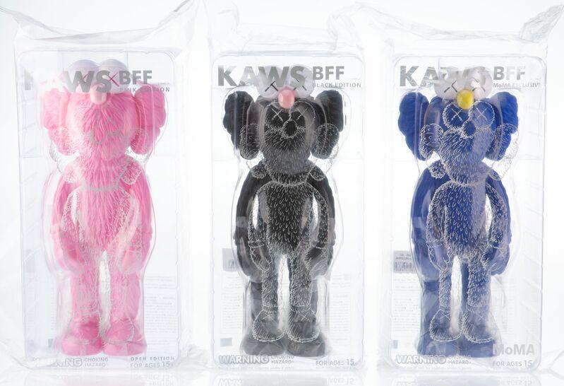 KAWS, 'BFF Companion (set of 3)', 2018, Sculpture, Painted cast vinyl, Heritage Auctions