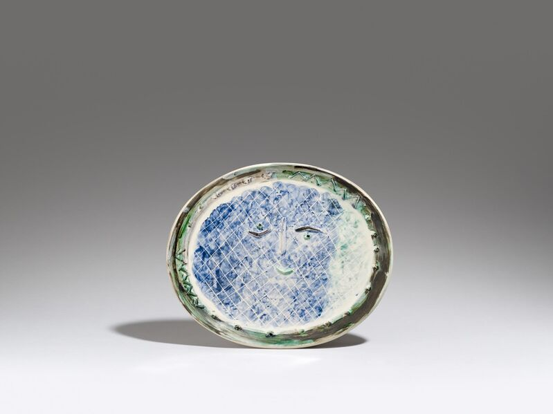 Pablo Picasso, 'Face in an oval', 1950, Design/Decorative Art, White earthenware clay, polychromed and partially glazed, Van Ham