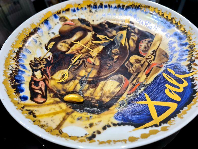 Salvador Dalí, 'L'Assiette de Gala', 1985, Design/Decorative Art, Porcelain plate with polychrome painting, Samhart Gallery