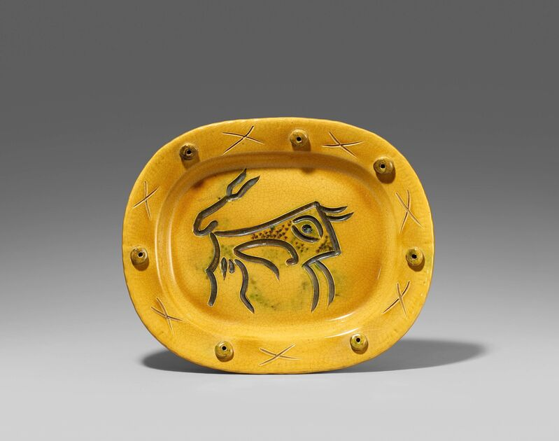 Pablo Picasso, 'Engraved bull', 1947, Design/Decorative Art, White earthenware clay, polychromed and glazed, Van Ham