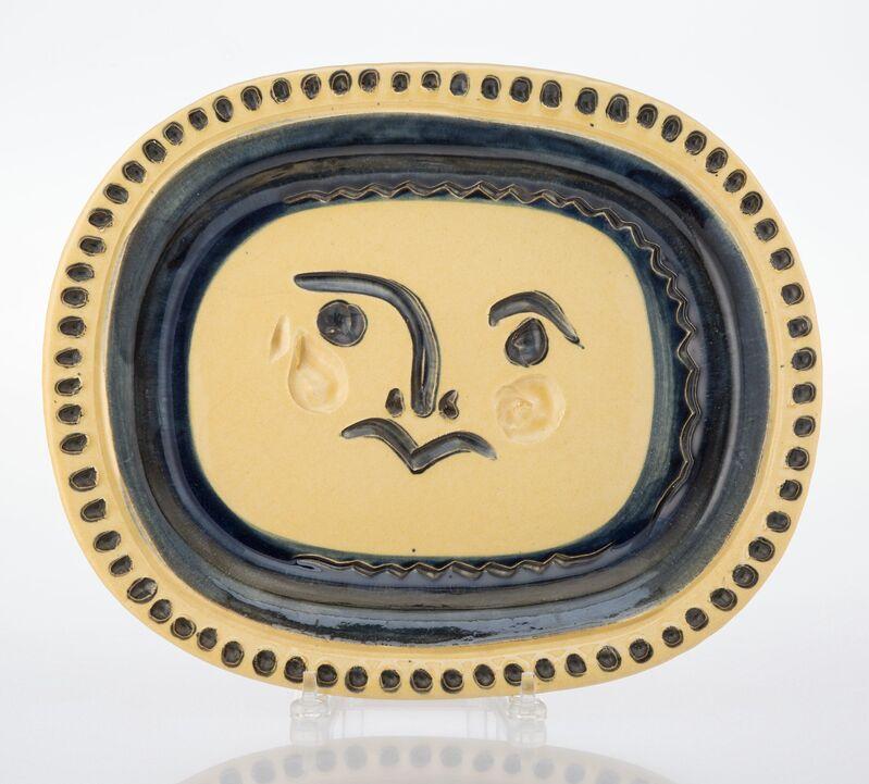 Pablo Picasso, 'Visage gravé, fond grège', 1947, Design/Decorative Art, Terre de faïence dish, glazed and painted, Heritage Auctions