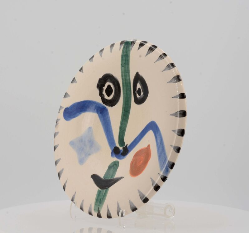 Pablo Picasso, 'Face no. 0', 1963, Design/Decorative Art, White earthenware clay, partially polychromed and glazed., Van Ham