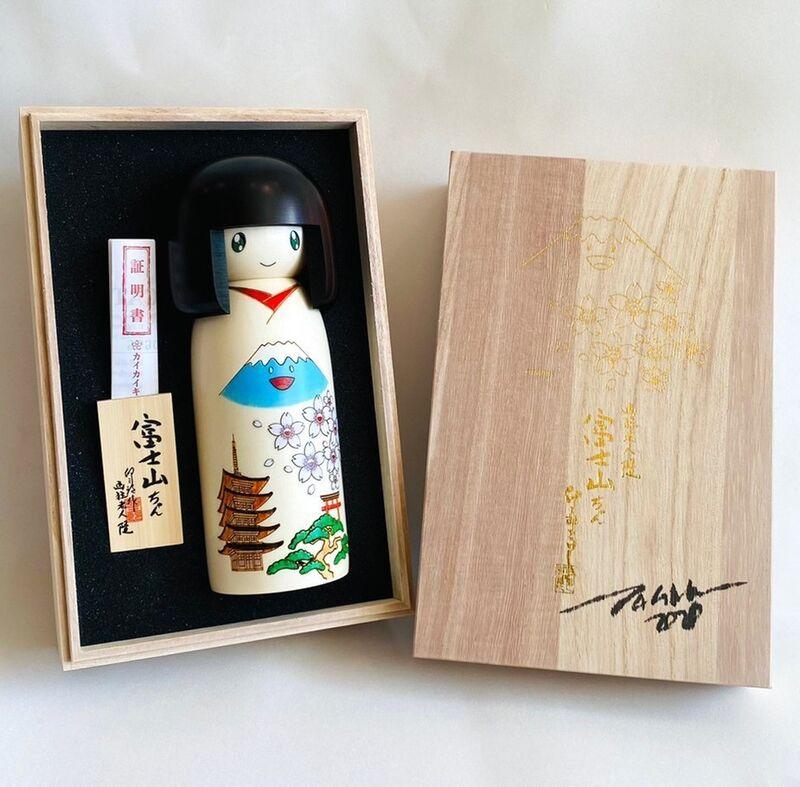 Takashi Murakami, '富士山ちゃんこけし (Fujisan-chan Kokeshi)', 2020, Sculpture, Japanese Mizuki timber, Gin Huang Gallery Gallery Auction