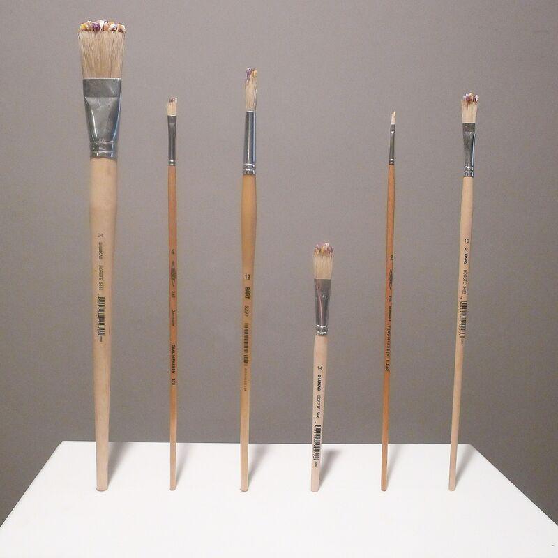 Glenda Leon, 'Objeto Mágico Encontrado n.2 / Magical Found Object n.2', 2002-2003, Installation, Dried flowers, brushes, Galeria Senda
