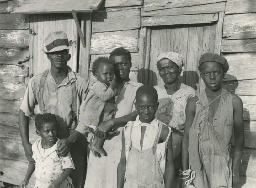 Carl Mydans, 'Lewis Hunter, Negro client, with his family, Lady's Island, Beaufort, South Carolina', June 1936