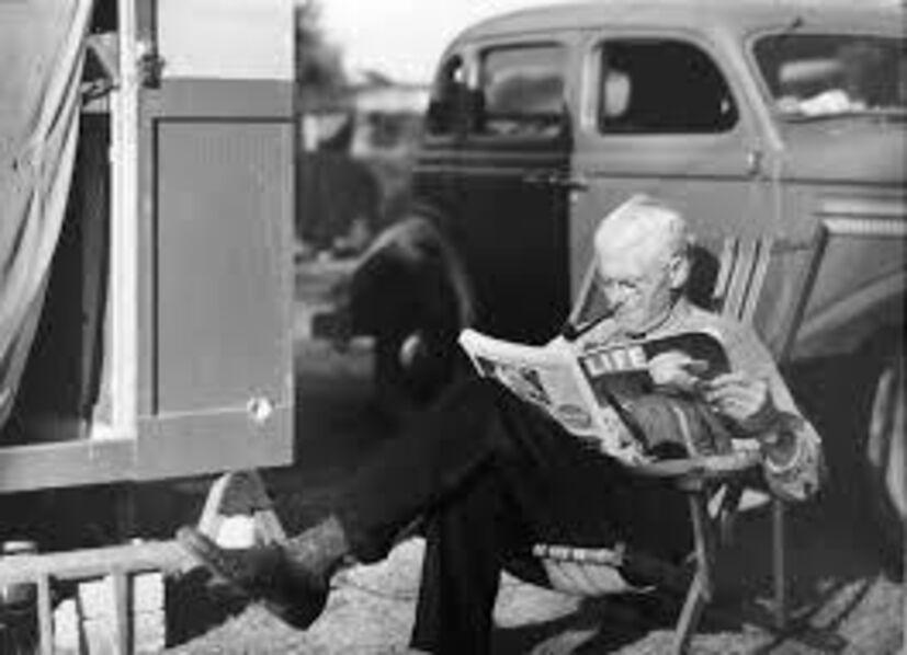 Marion Post Wolcott, 'Reading in Sarasota', 1939