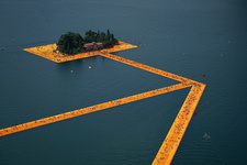 Christo and Jeanne-Claude, The Floating Piers, Lake Iseo, Italy, 2014-16. Photo: Wolfgang Volz, © 2016 Christo