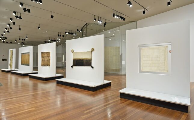On the Grid: Textiles and Minimalism, installation view