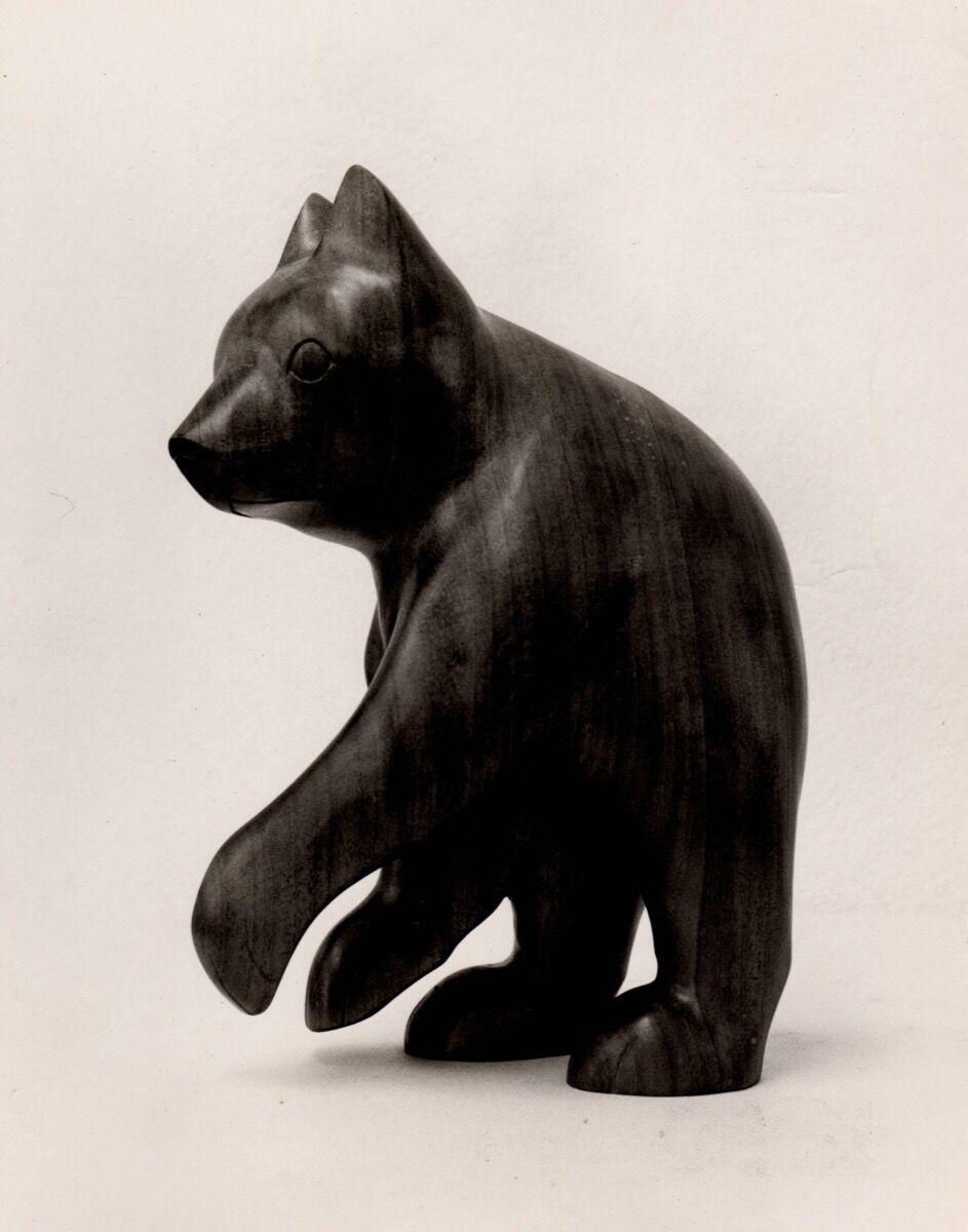 Amanda Crowe woodcarving of a bear, Hunter Library Digital Collections, Western Carolina University. Image courtesy of Qualla Arts and Crafts Mutual, Inc.