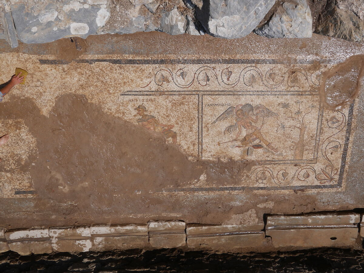 Second century Roman latrine murals  recently discovered in Turkey. Photo courtesy the Antiochia ad Cragum Archaeological Research Project.