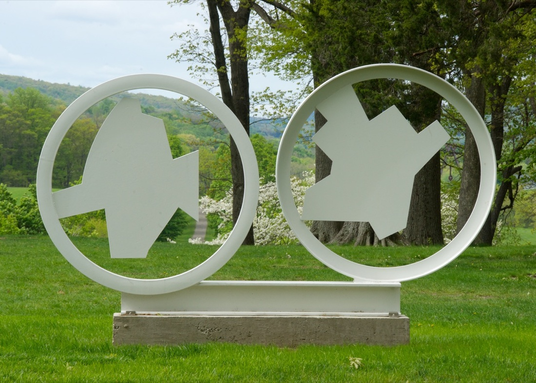 David Smith, 2 Circles 2 Crows, 1963. Private Collection, Florida. © The Estate of David Smith/Licensed by VAGA, New York, NY. Photo by Jerry I. Thompson, courtesy of Storm King Art Center.