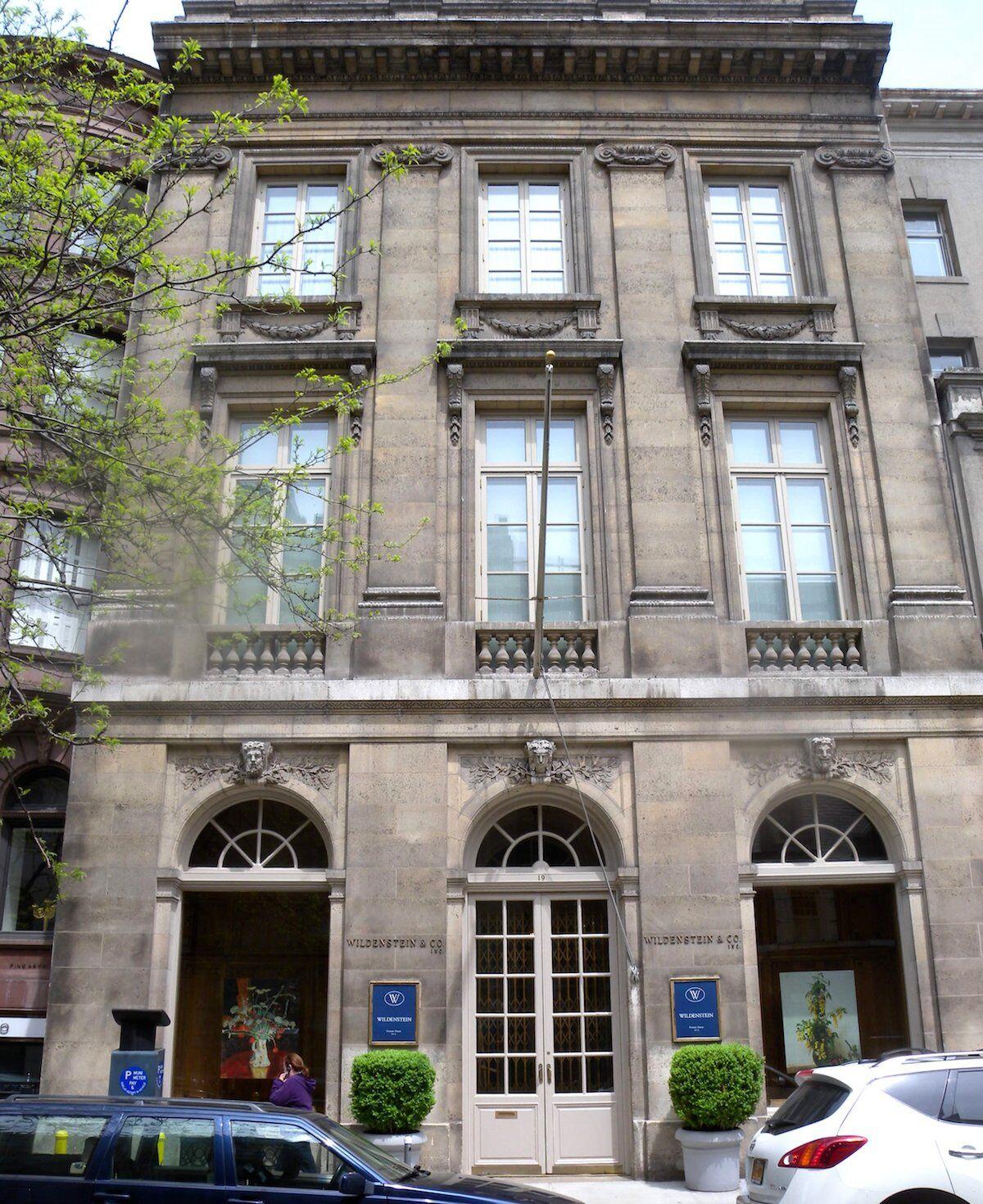 The former Manhattan headquarters of Wildenstein & Co. Photo by Jim.henderson, via Wikimedia Commons.