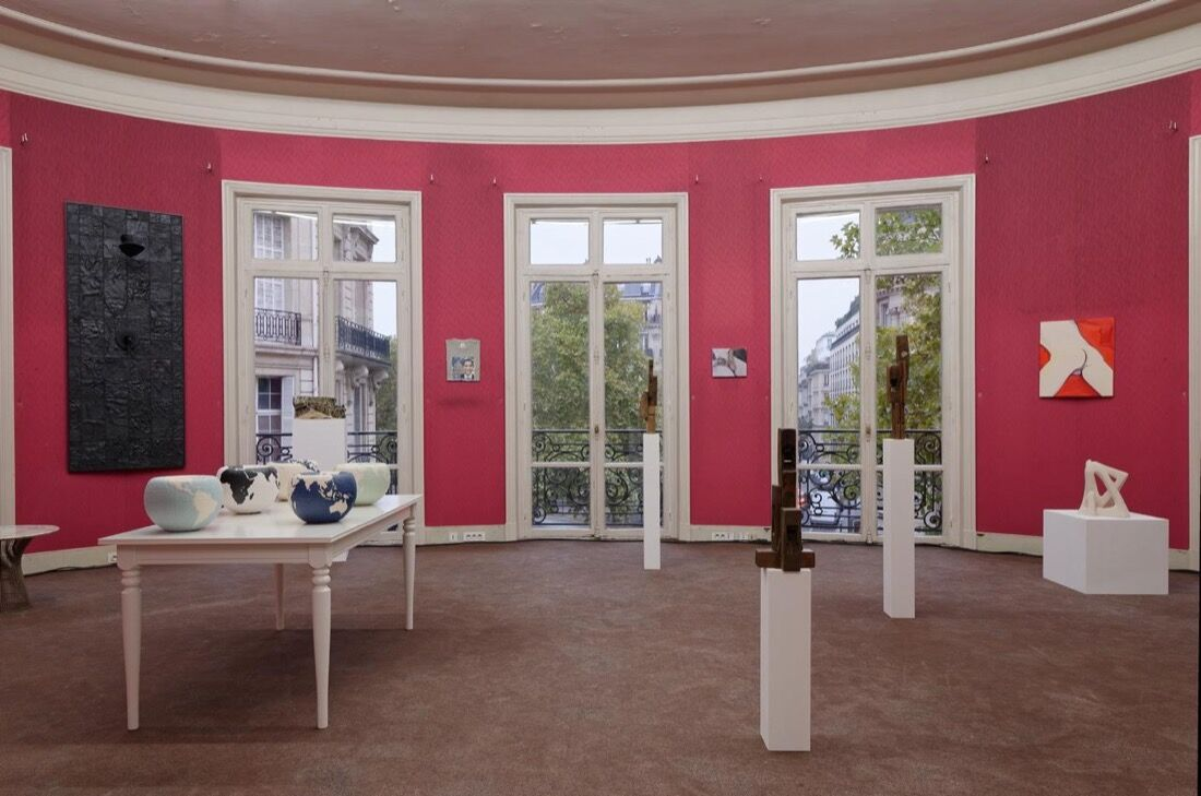 Installation view of Sultana and Praz Delavallade at Paris Internationale, 2015. Photo by Aurélien Mole, courtesy of Paris Internationale.